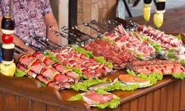 Uma grande seleção de produtos de carne foto de stock royalty free