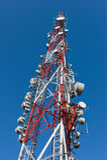 Uma grande torre de antena do telefone móvel Foto de Stock
