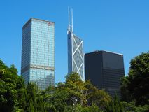 Uma ideia da skyline de Hong Kong de Hong Kong Zoological e dos jardins botânicos foto de stock royalty free
