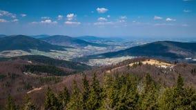 Uma ideia do panorama bonito das montanhas fotografia de stock