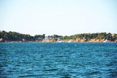 Uma ideia do stade da aterrissagem de Clos do porto na maré baixa Fotografia de Stock Royalty Free
