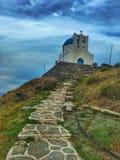 Uma igreja na ilha de Sifnos fotografia de stock