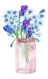Uma ilustração de um ramalhete dos wildflowers (flores do miosótis (Myosotis) e da alfazema) em um frasco de vidro ilustração royalty free