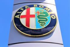 Uma imagem de um alfa Romeo Logo - Bielefeld/Alemanha - 07/23/2017 Imagem de Stock Royalty Free