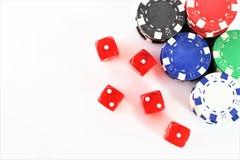 Uma imagem de um casino - dado, microplaqueta, jogando - com espaço da cópia imagem de stock royalty free