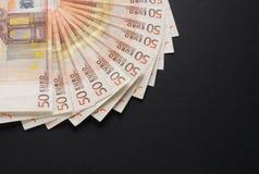 Uma imagem do fim-acima de 50 euro- cédulas do dinheiro Imagens de Stock Royalty Free