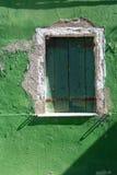 Uma janela velha imagem de stock