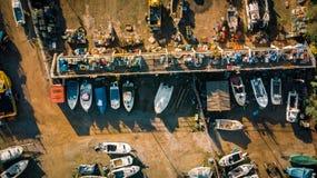 Uma jarda do barco de pesca fotos de stock royalty free