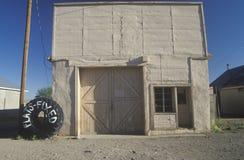 Uma loja do pneu da Pequeno-cidade, Magdalena, nanômetro imagens de stock