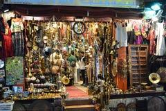 Uma loja no souq de Muttrah muscat oman Fotos de Stock