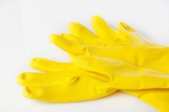 Uma luva amarela da limpeza Fotografia de Stock