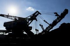 Uma máquina de mineração enorme imagem de stock