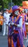 Uma máscara roxa do carnaval em Berlim imagens de stock