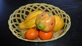 Uma maçã com uma falha pequena Fotos de Stock Royalty Free