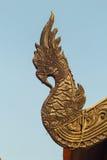 Uma madeira cinzelada serpente Imagem de Stock Royalty Free