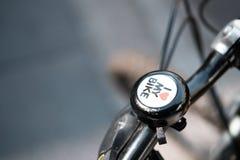 Uma maneira de obter em torno de Londres está em uma bicicleta fotografia de stock