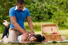 Uma massagem para ela fotos de stock royalty free