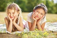 Uma menina e seu amigo Fotografia de Stock