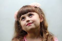 Uma menina feliz da criança Fotos de Stock Royalty Free