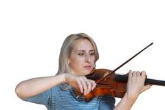 Uma menina loura bonita no vestido preto com bordos vermelhos joga uma imagem isolada violino no fundo branco fotos de stock royalty free