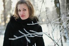 Uma menina no inverno Fotografia de Stock Royalty Free