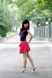 Uma menina no verão. Imagens de Stock