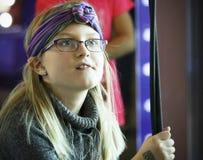 Uma menina trabalha com cordas no museu do ` s das crianças da descoberta, Las imagens de stock royalty free