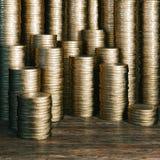 Uma moeda de um centavo salvar é uma moeda de um centavo ganhada - versão dourada das moedas do euro Fotografia de Stock Royalty Free