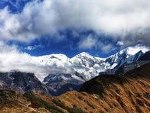 Uma montanha em Nepal imagens de stock