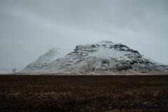 Uma montanha nevado em Islândia Imagem de Stock