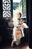 Uma mulher chinesa clássica vestida no cheongsam Fotografia de Stock