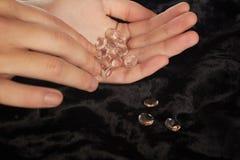 Diamantes à disposição fotos de stock