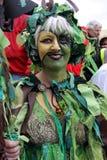 Uma mulher em Jack no festival verde Imagens de Stock Royalty Free