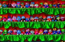 Uma multidão colorida de muitos povos diferentes Imagem de Stock