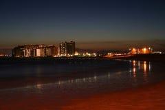 Uma noite na praia de Sandy, México Fotos de Stock Royalty Free