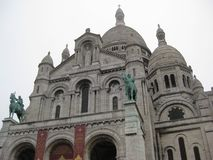 """Uma opinião cinzenta do dia da base ur do Sacré-CÅ """", Paris imagens de stock"""