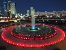 Uma opinião da noite em Astana foto de stock royalty free