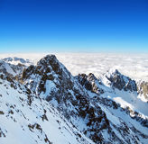 Uma opinião do inverno do pico de Lomnicky Fotos de Stock Royalty Free