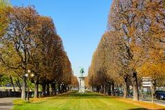 Uma opinião do parque em Paris fotografia de stock