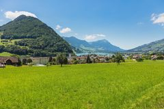 Uma opinião do verão na vila de Seewen no cantão suíço o Fotografia de Stock Royalty Free