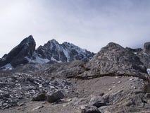 Uma opinião impressionante Jade Dragon Snow Mountain em Lijiang Yunnan P fotos de stock royalty free