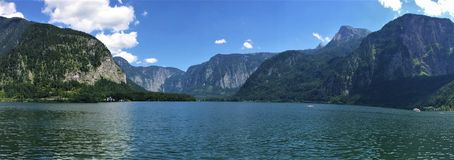 Uma outra vista do lago Hallstatt, Áustria fotos de stock