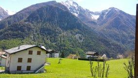 Uma paisagem nas montanhas fotografia de stock