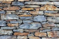 Uma parede bonita do xisto imagem de stock royalty free