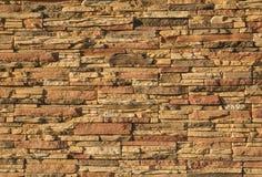 uma parede de tijolo marrom fotografia de stock