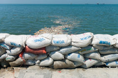 Uma parede dos sacos de areia Fotografia de Stock