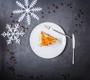 Uma parte de bolo de cenoura Vista superior imagens de stock
