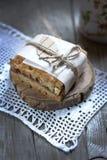 Uma parte de torta com doce Fotografia de Stock