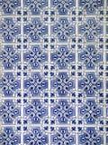 Uma parte de um azulejo azul velho em Portugal Imagens de Stock Royalty Free