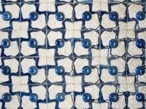 Uma parte de um azulejo velho em Portugal Foto de Stock